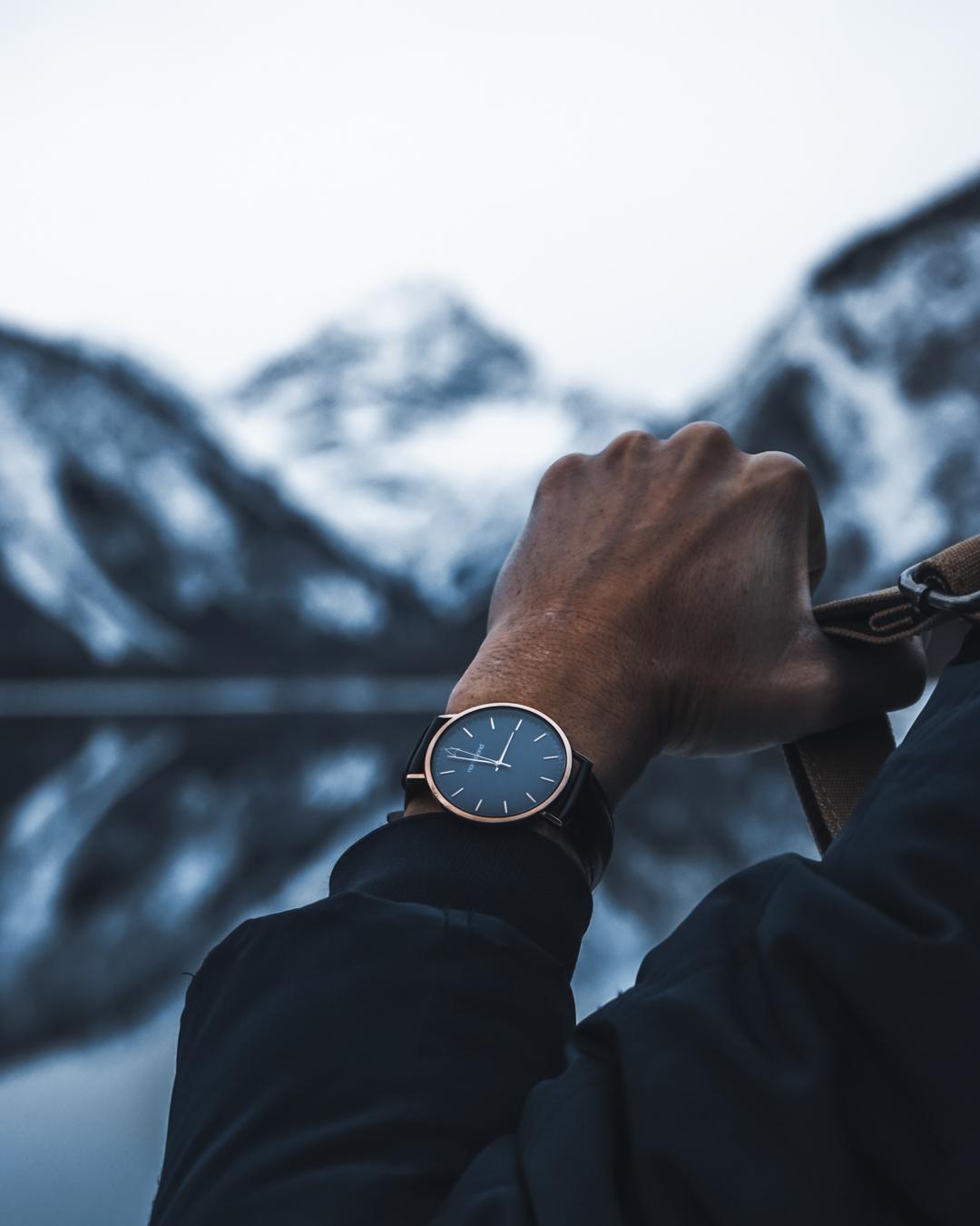 onyx watch black